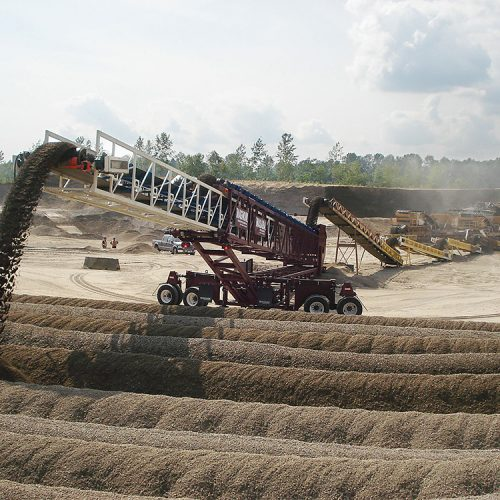 Masaba Magnum Telescoping Conveyors transferring and stockpiling material