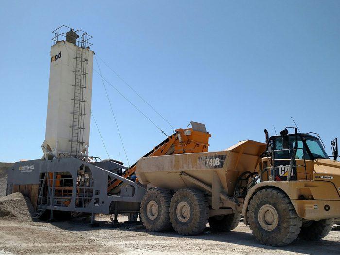 rapidmix-400c-loading-haul-truck