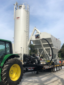 Portable self-contained silos and storage pigs for rent